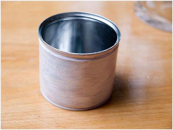 diy-topiary-tin-can-pot--paint