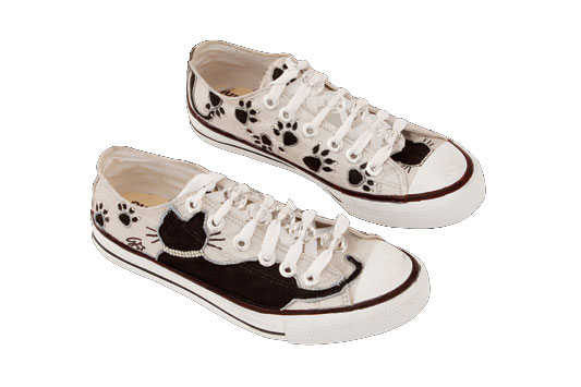 diy white sneakers black cats rhinestones beads laces