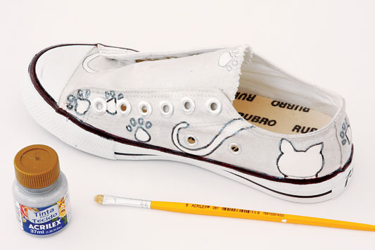 hand painted diy canvas sneakers kitten paws