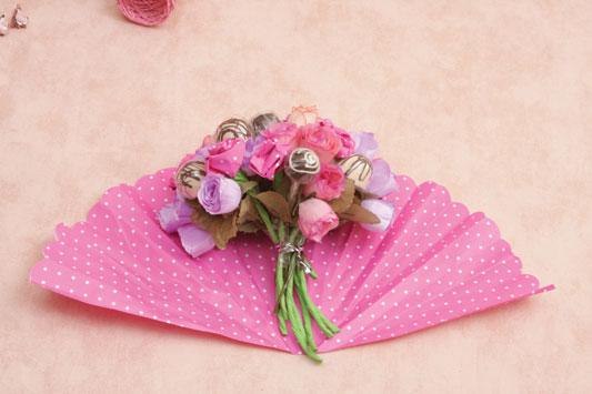 make candy flower bouquet  arrangement diy bouquet