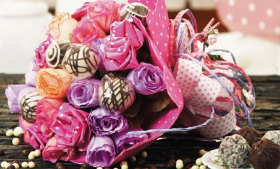 Make A Candy Flower Bouquet Diy Idea With Paper Roses And