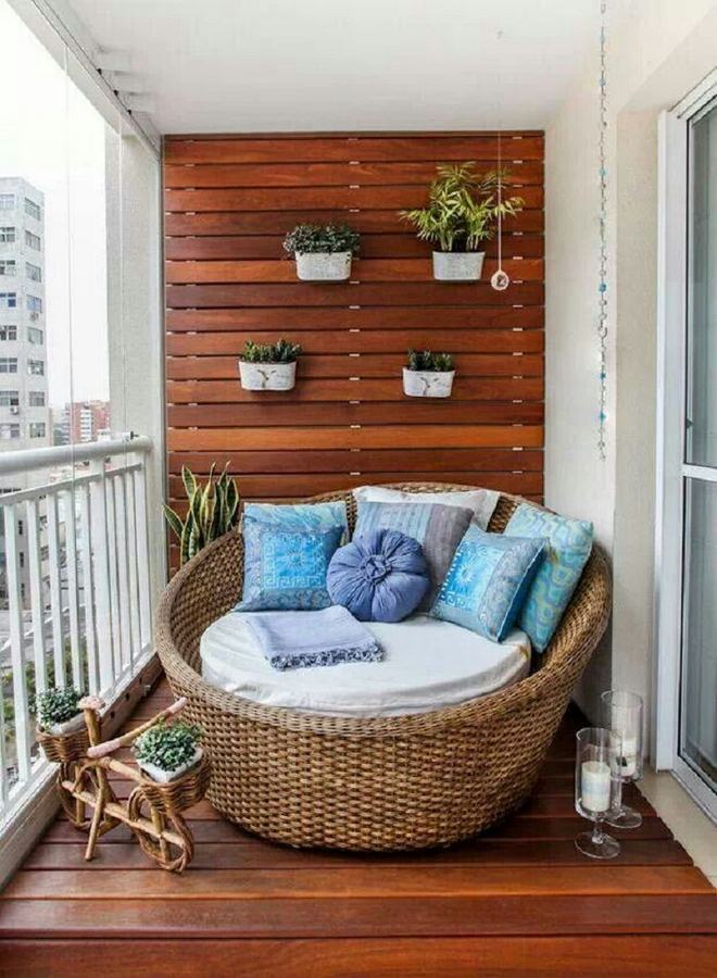 summer-decorating-ideas-rattan-round-day-bed-balcony