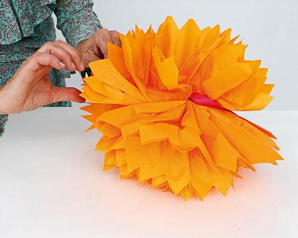 tissue paper pom poms diy decor