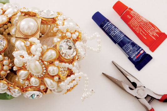 diy brooch bridal bouquet tutorial pearls rhinestones