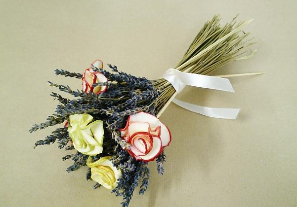 fruit fragrant flowers apple bouquet leaves decoration