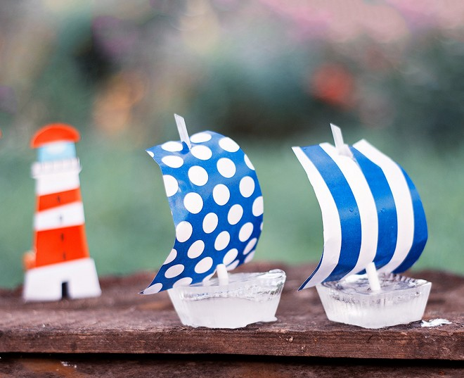 summer-decorating-ideas-ice-boats-paper-sails-drinking-straws