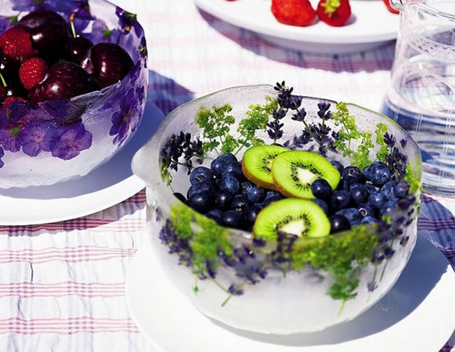 summer-decorating-ideas-ice-boil-fruits-herbs-flowers