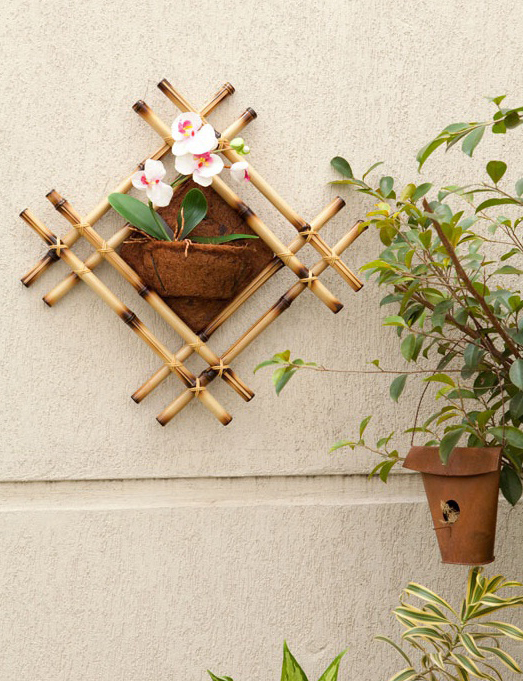 Bamboo sticks wall decor idea for Decoration sticks