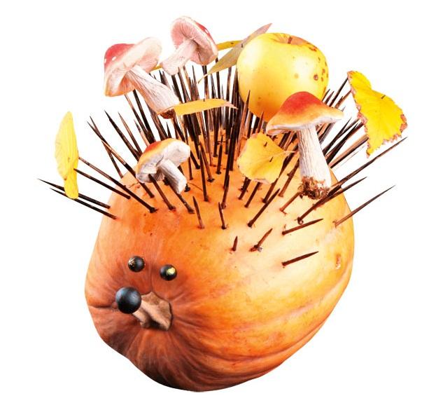 easy pumpkin centerpieces hedgehog-toothpicks-apples-mushrooms