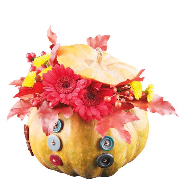 easy pumpkin centerpieces red-gerbera-autumn-leaves-buttons