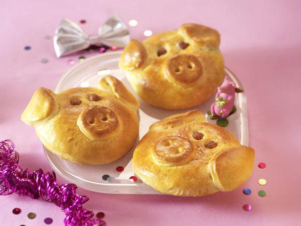 easy kids snacks idea pig  faces bread