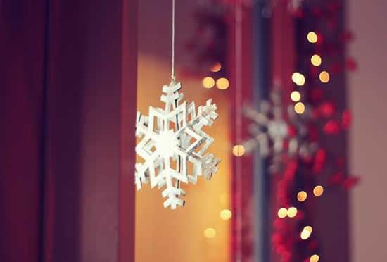 christmas-window-decor-snowflake-ornament-hanging-string