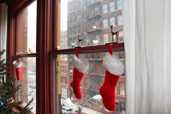 christmas window decoration ideas red-christmas-stockings