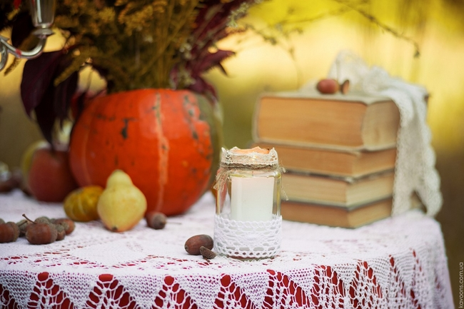 decorating for fall ideas-glass-jar-candle-holder-lace-ribbons