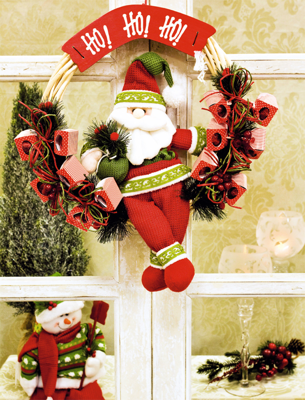 diy-christmas-wreath-santa-doll-candy