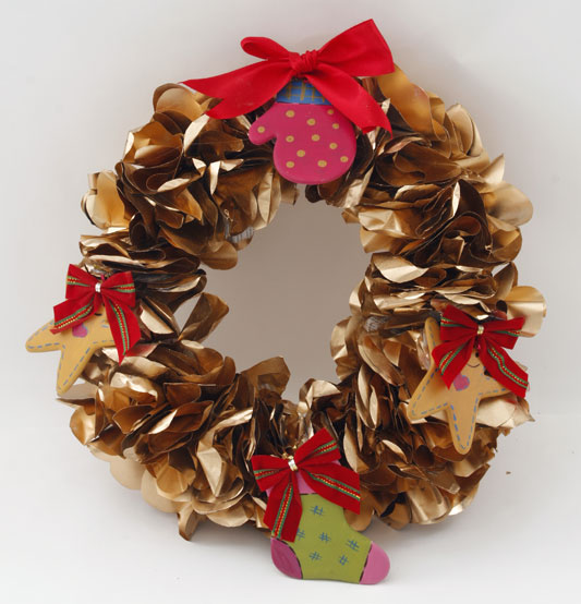 diy-christmas-wreaths-newspaper-gold-spray-decorations