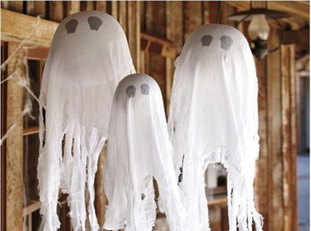 easy diy halloween home decor ideas with ghosts  bats and spiders