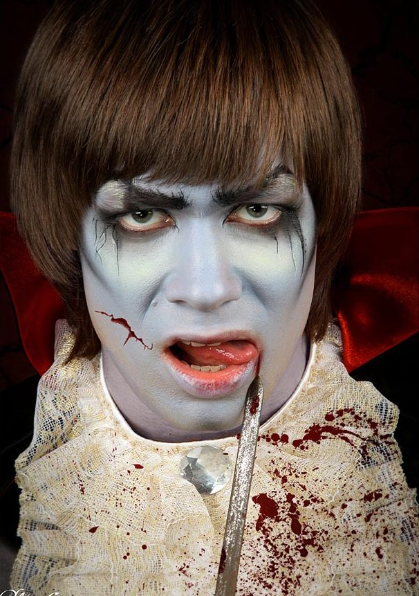 halloween makeup ideas men vamire costume castle blood