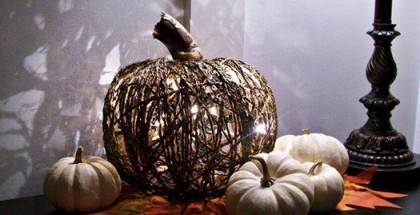 halloween-pumpkin-diy-project-yarn-form-lights-inside