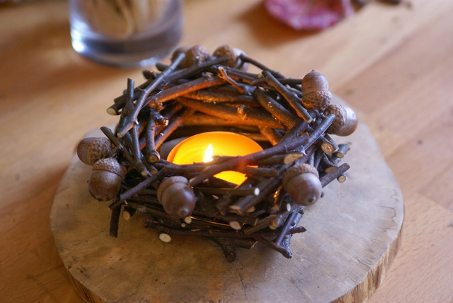 Craft idea for fall decor with twigs and ahorn for Decoration nature