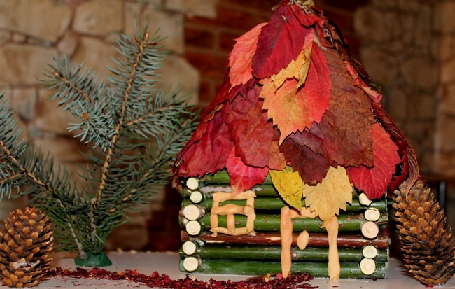 nature-inspired fall decorating ideas house red-dogwood-leaves-roof