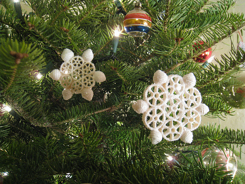 christmas crafts for kids ornaments white pasta snowflakes