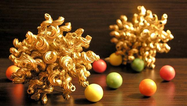 christmas-crafts-kids-tree-ornaments-balls-made-pasta