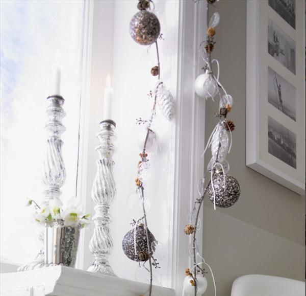 christmas window decoration ideas candle stand garlands