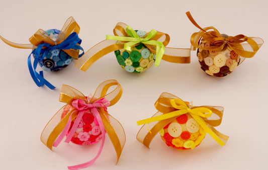 diy christmas tree ornaments buttons foam balls  ribbons