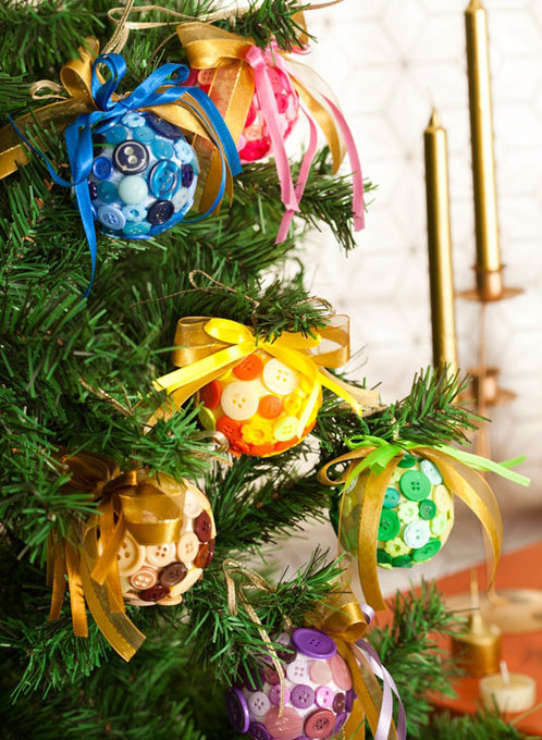 diy christmas tree ornaments buttons ribbons colors