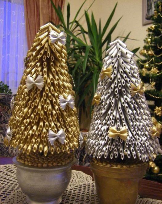 diy christmas trees pots gold silver pasta ribbons
