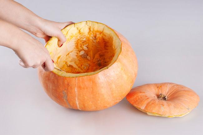 easy pumpkin centerpiece with flowers idea