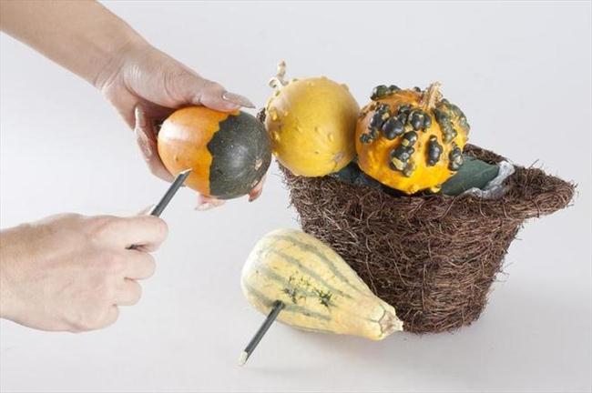 flower pumpkin centerpiece idea fall decor mini gourds basket