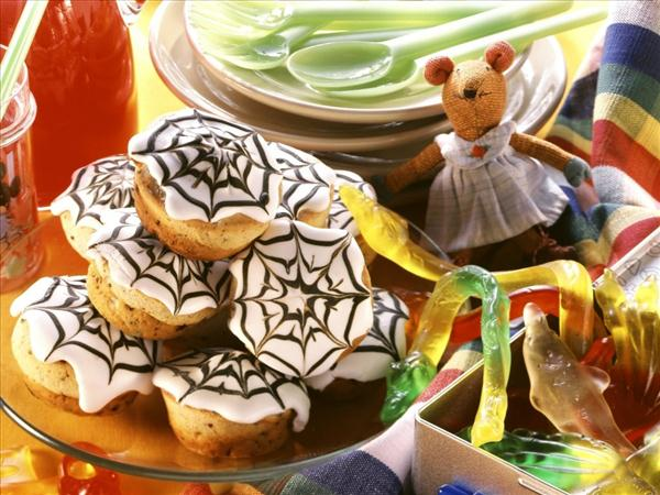halloween decorations cupcake frosting spider web chocolate