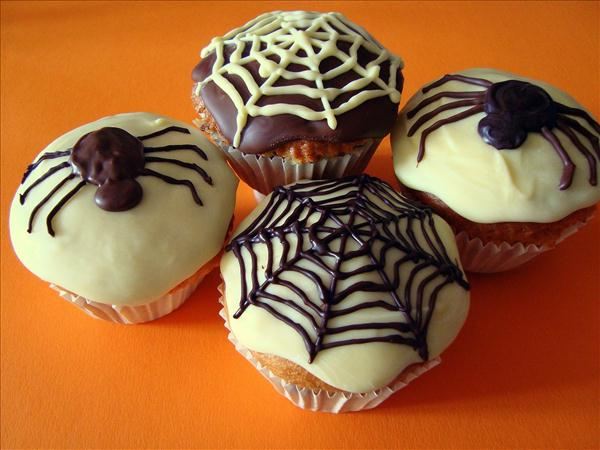 halloween cupcake decorations spooky ideas chocolate spiders
