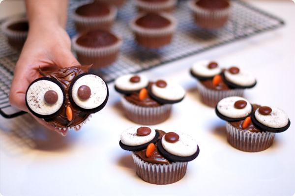 halloween cupcake spooky ideas owls oreo eyes - Decorating Cupcakes For Halloween