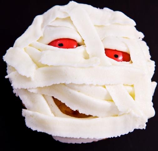 halloween cupcake mummy spooky idea candy eyes