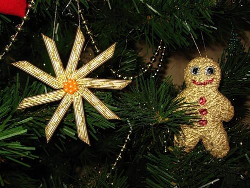 handmade tree Christmas crafts for kids pasta snowflake gold