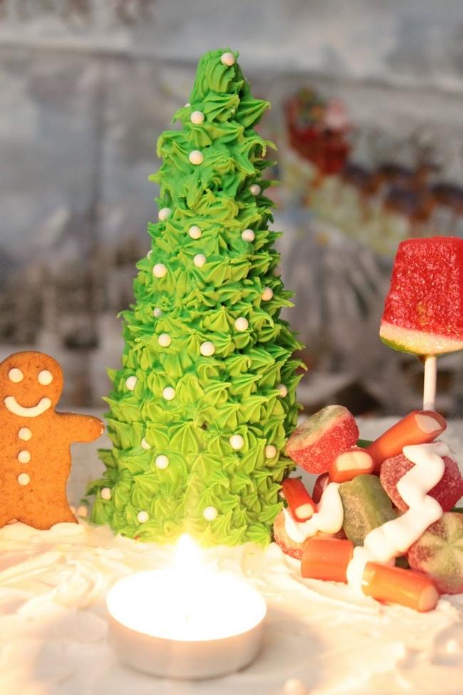 christmas-baking-landscape-christmas-tree-green-glazing