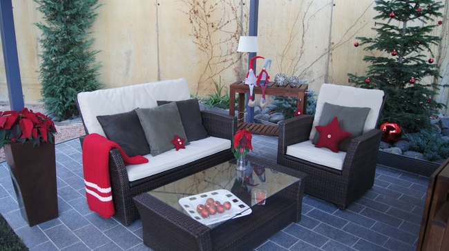 christmas-decoration-terrace-outdoor-furniture