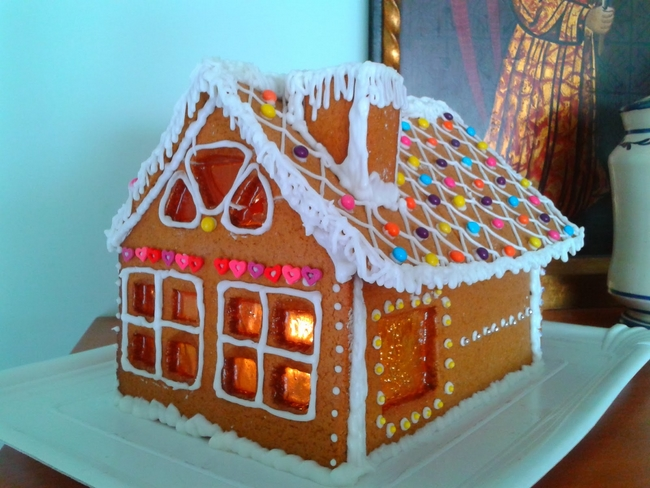 Christmas gingerbread house caramelized windows