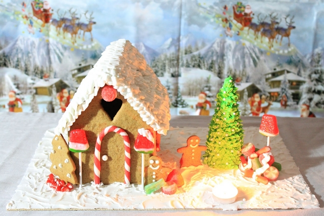 christmas gingerbread house tutorial-landscape-gingerbread-cookies