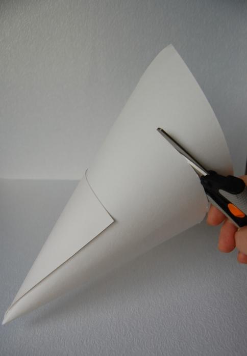 christmas tree manifacture cone cardboard cutting handmade souvenir
