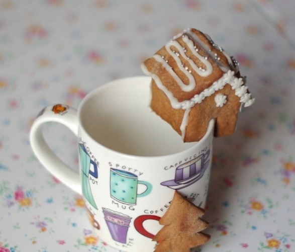 cute christmas treats kids gingerbread cookies mini house mug