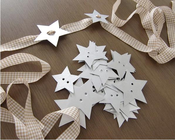 diy-christmas-table-decor-napkin-holders-paper-stars