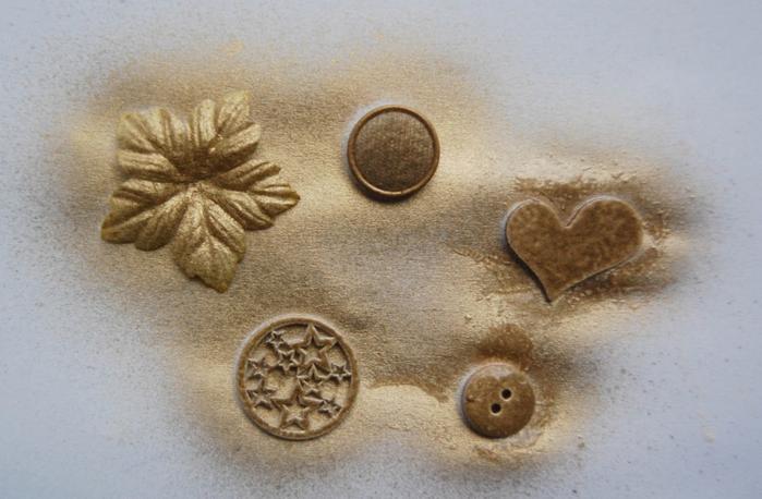 diy christmas tree pebbles rhinestones decoupage materials gold spray painting