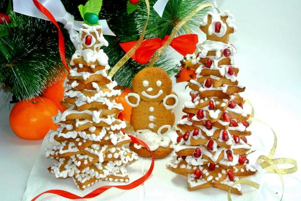 edible christmas trees cookies stars tower fruit decorations
