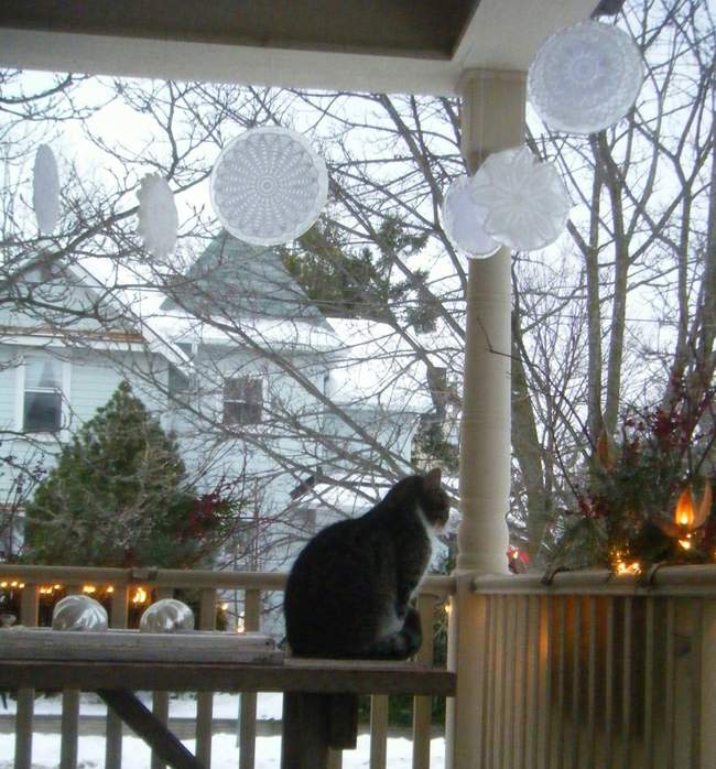 front-porch-winter-decor-ice-ornaments-lace
