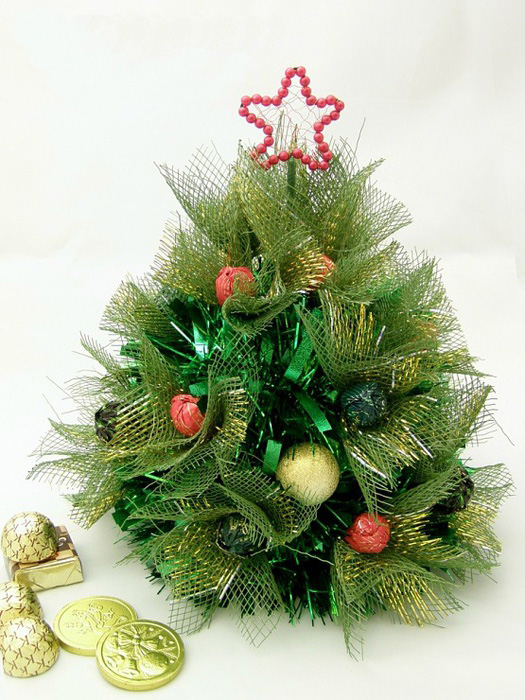 handmade christmas tree ideas floral mesh wrap green