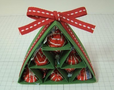 homemade-christmas-gift-ideas-diy-candy-pyramid-paper-christmas-tree -